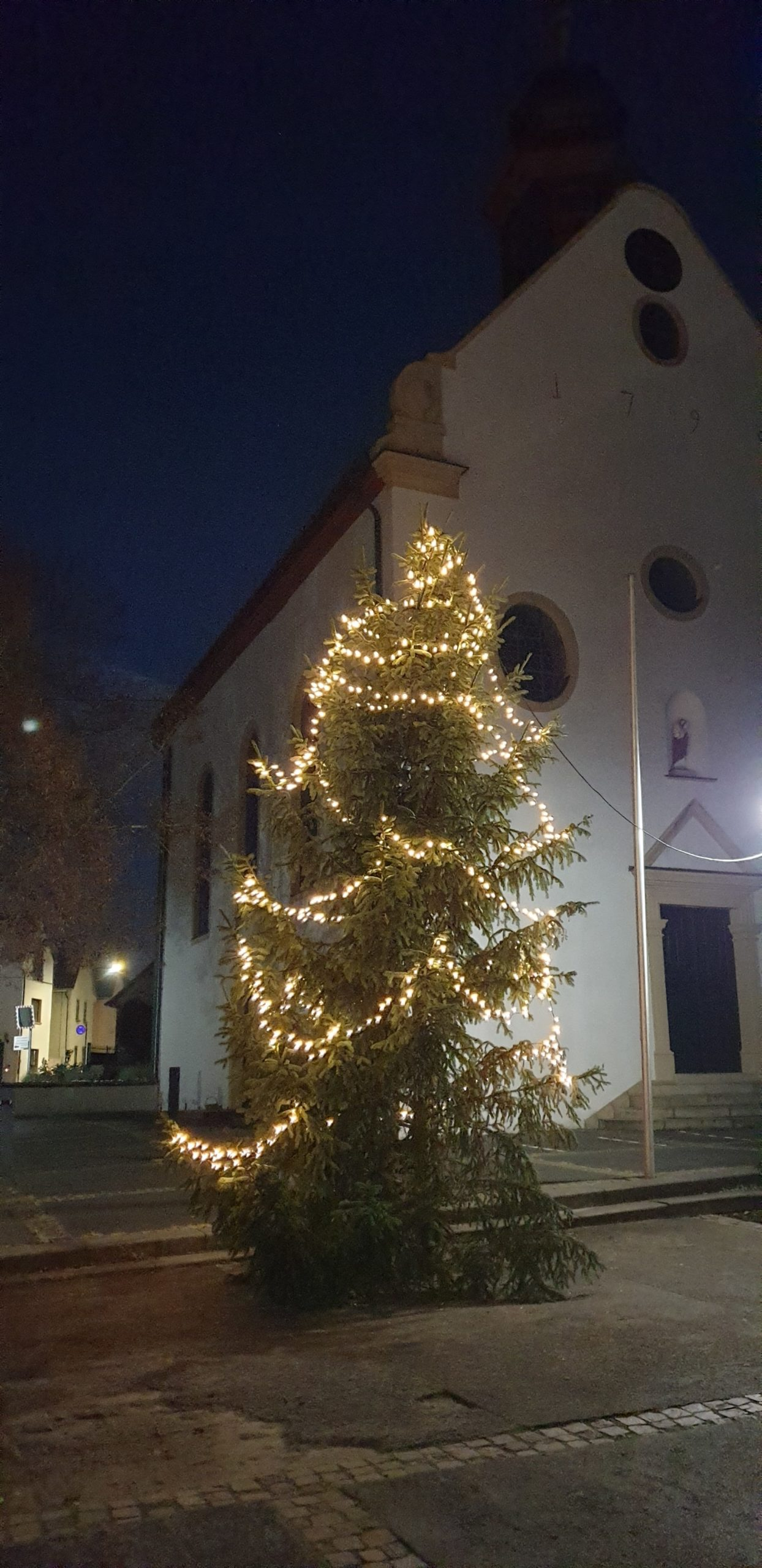 Tannenbaum_Kirche