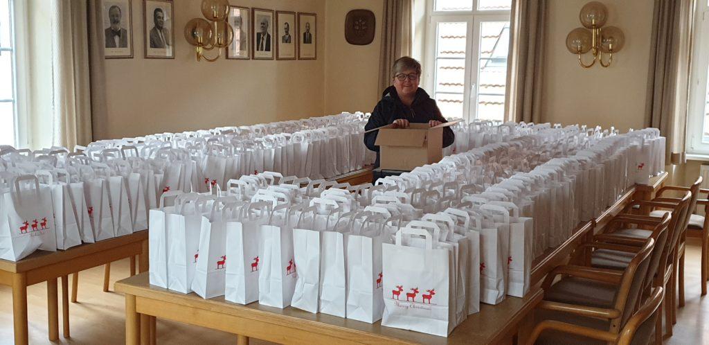 Weihnachtspäckchen Senioren Lörzweiler1
